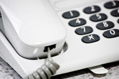 電話による悩み相談のススメ